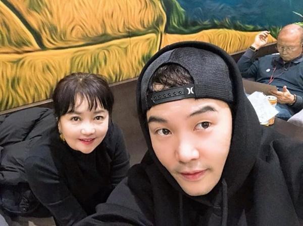 Hình ảnh HLV Park Hang-seo đón tết sum vầy cùng gia đình tại Nhật Bản-4