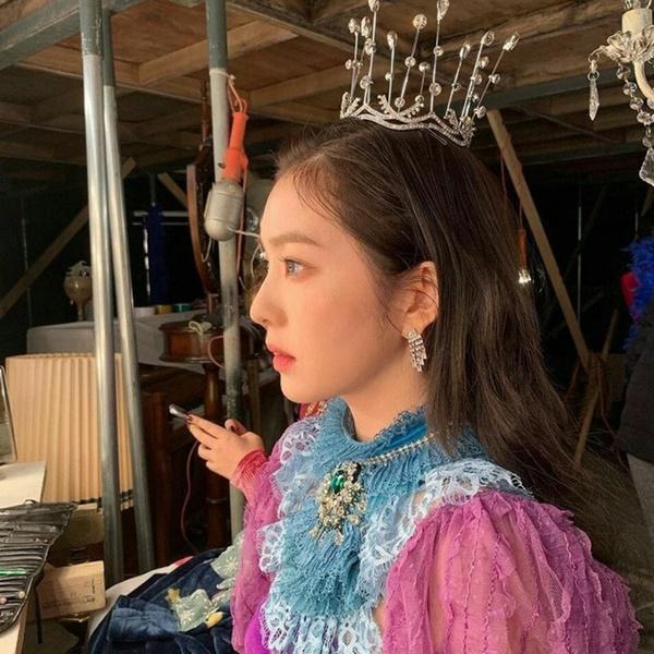 Irene trông như tiểu thư nhà giàu vì toàn đeo trang sức nghìn đô-1