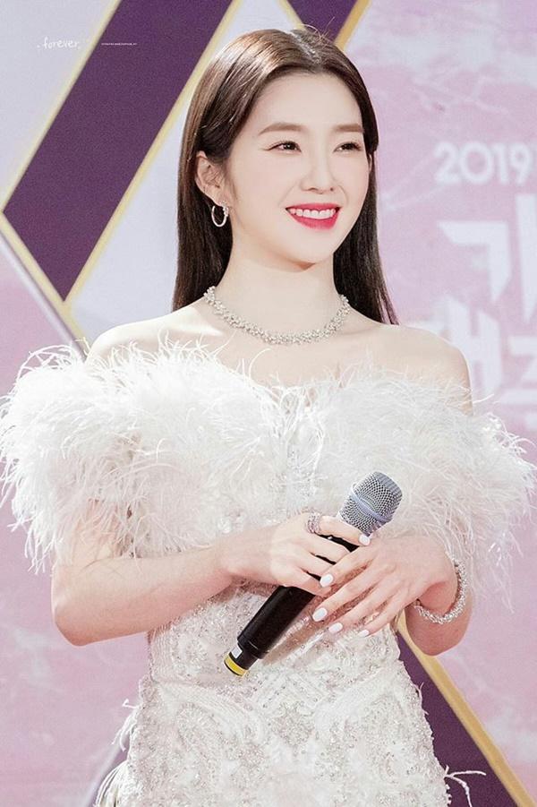 Irene trông như tiểu thư nhà giàu vì toàn đeo trang sức nghìn đô-5