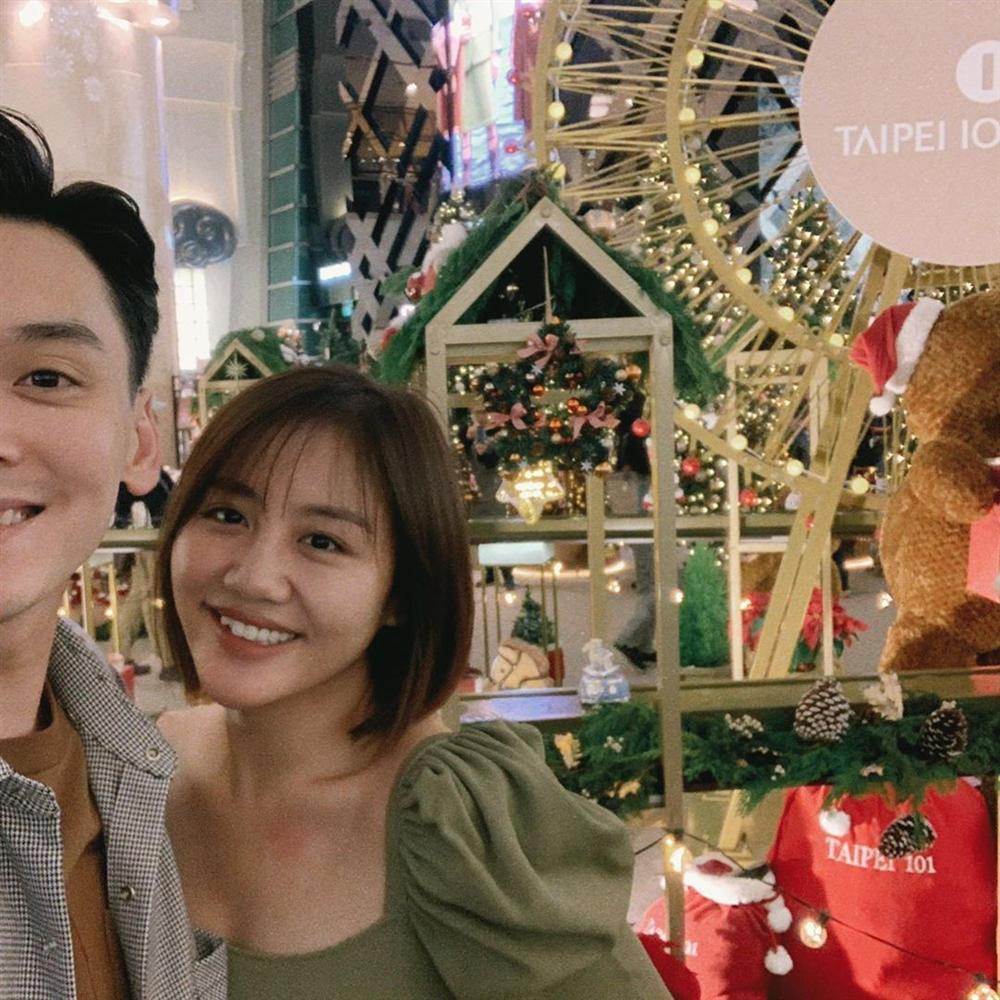 Văn Mai Hương cùng bạn trai xuất ngoại du hí sau ồn ào clip nóng-7