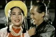 Tết Canh Tý 2020 nghe nhạc Xuân: Trai tài gái sắc Thành Lộc - Hồng Vân hát đã ngọt mà diễn còn 'tình như cái bình'