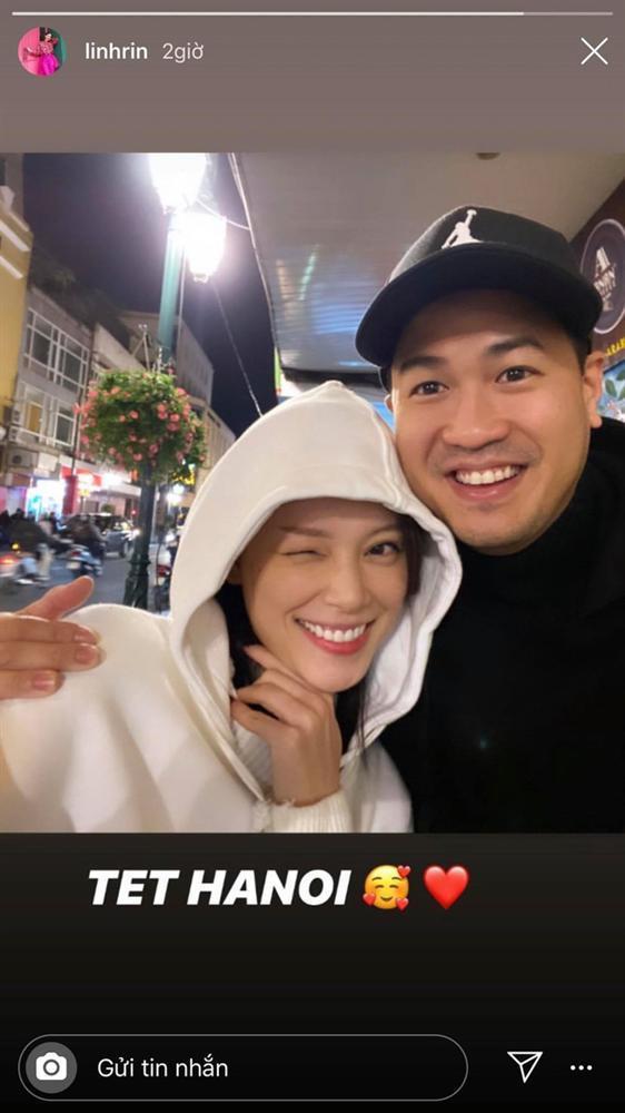 Ăn bánh gato mệt nghỉ đầu năm: Cuối cùng Phillip Nguyễn cũng bước 999 bước ra Hà Nội ăn Tết với Linh Rin rồi nè!-1
