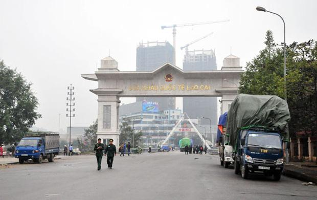 Tạm ngừng xuất, nhập cảnh khách du lịch qua cửa khẩu Quốc tế Lào Cai-1
