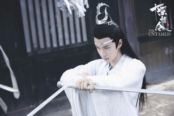 Chồng Triệu Lệ Dĩnh bị ném đá vì copy tạo hình của Vương Nhất Bác-3