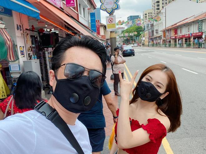 Sao Việt đeo khẩu trang khi du lịch đầu xuân vì sợ virus corona-4