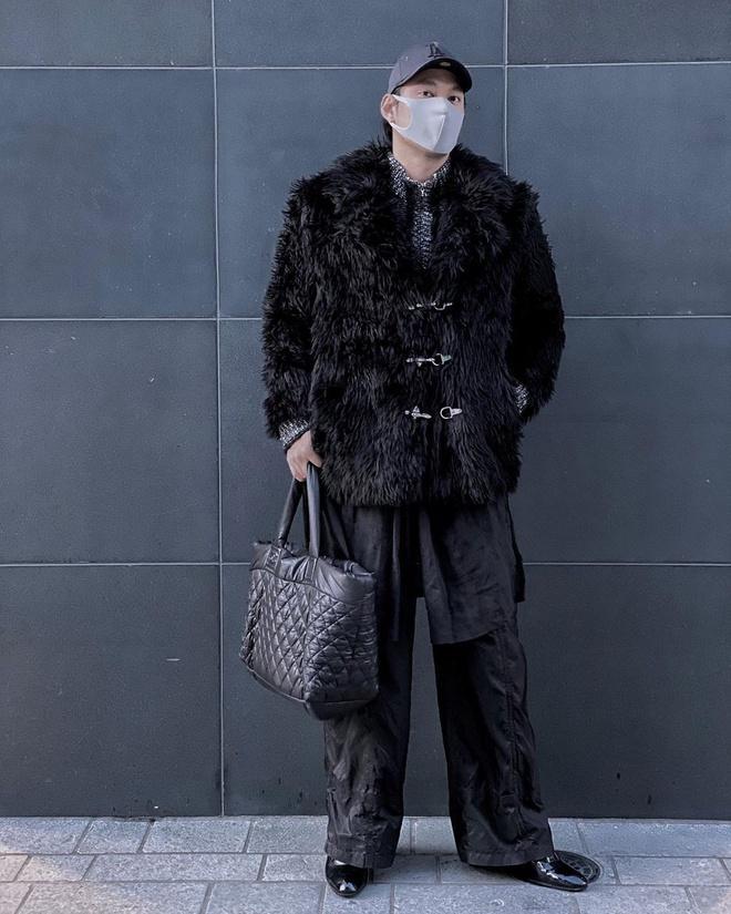 Sao Việt đeo khẩu trang khi du lịch đầu xuân vì sợ virus corona-8