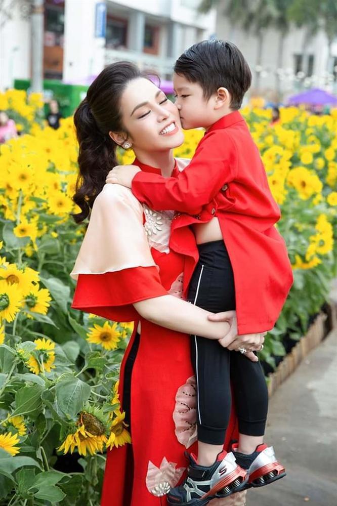 Nhật Kim Anh đăng clip tố cáo chồng cũ không cho gặp con ngày mồng 3 Tết-2