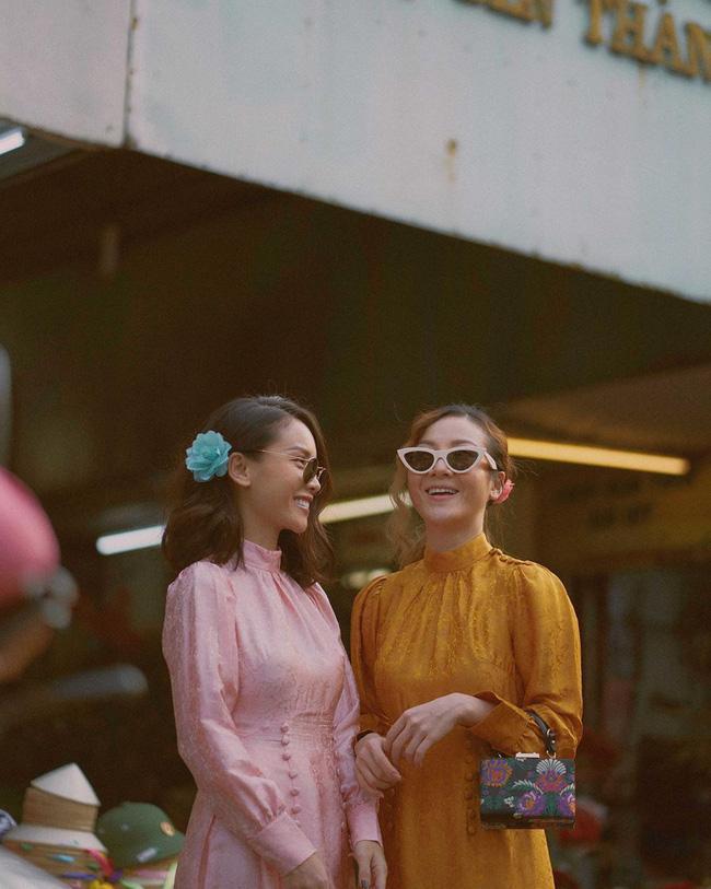 Đụng hàng hi hữu đầu năm: Minh Hằng - Yến Trang mặc chung áo dài mười phân vẹn mười-4