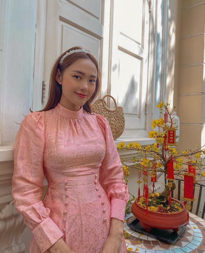 Đụng hàng hi hữu đầu năm: Minh Hằng - Yến Trang mặc chung áo dài mười phân vẹn mười-1