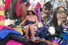 Xôn xao hình ảnh bạn gái cũ Quang Hải ngồi lề đường, bán quần áo giảm giá ngày Tết