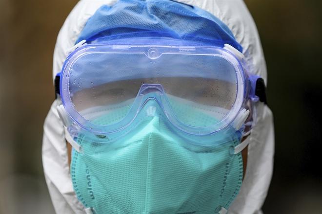 Bệnh viện TQ hết đồ bảo hộ để đối phó virus corona-1