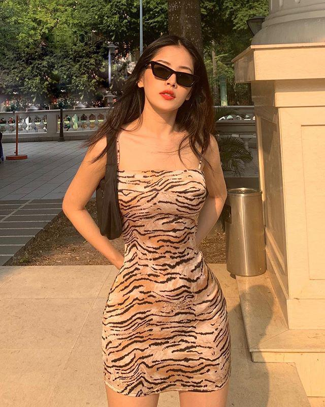 Tết này còn ai chăm khoe dáng bạo như Chi Pu: mùng 1 bán nude, mùng 3 diện bikini-2