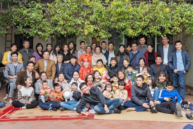 Bức ảnh siêu to khổng lồ của đại gia đình có 407 thành viên sum họp ngày Tết khiến dân mạng choáng váng-5