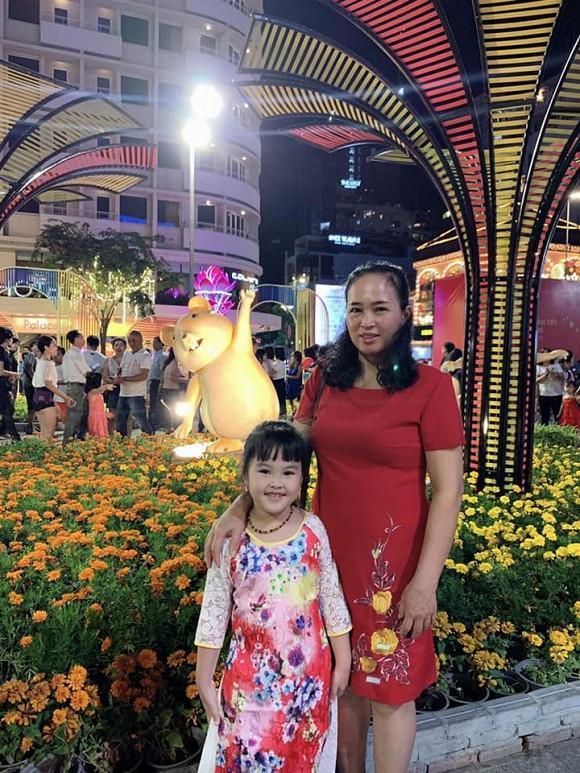Làm mẹ đơn thân, em gái Công Vinh có cuộc sống ra sao sau 3 năm sang Singapore kiếm sống?-4