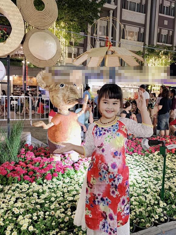 Làm mẹ đơn thân, em gái Công Vinh có cuộc sống ra sao sau 3 năm sang Singapore kiếm sống?-5