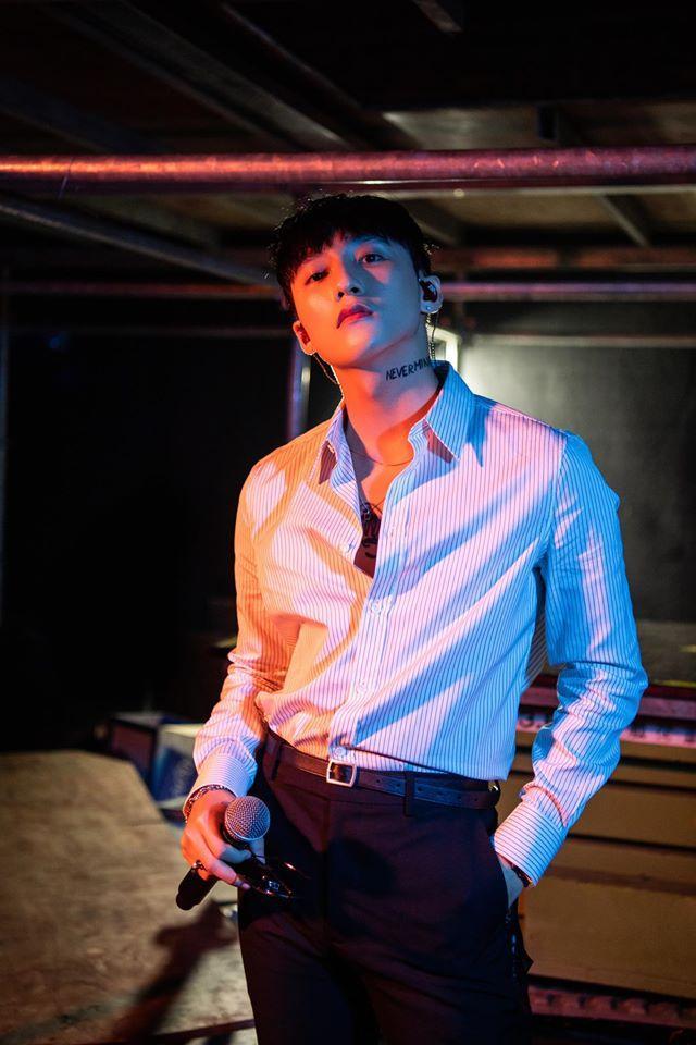 Sơn Tùng M-TP từng hâm mộ một nữ idol Kpop đến mức khắc tên siêu to khổng lồ trong phòng ngủ-1