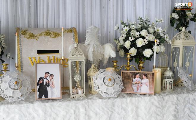 Hé lộ những hình ảnh đầu tiên trong đám cưới Văn Đức, chú rể rước dâu bằng xe tiền tỷ-8