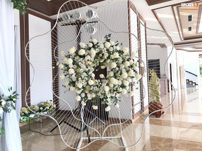 Hé lộ những hình ảnh đầu tiên trong đám cưới Văn Đức, chú rể rước dâu bằng xe tiền tỷ-7