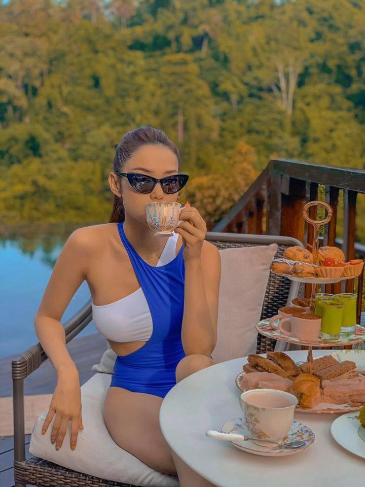 Đầu năm, Minh Hằng và Chi Pu liên tục đốt mắt fan bằng bộ ảnh bikini nóng chưa từng thấy-1