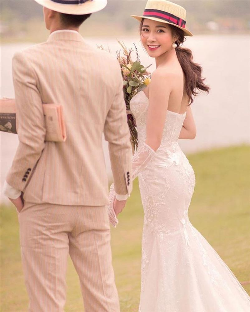 Phan Văn Đức đặt váy cưới trị giá tiền tỷ cho Nhật Linh nhưng lại khiến cô dâu khó khăn đi lại-9