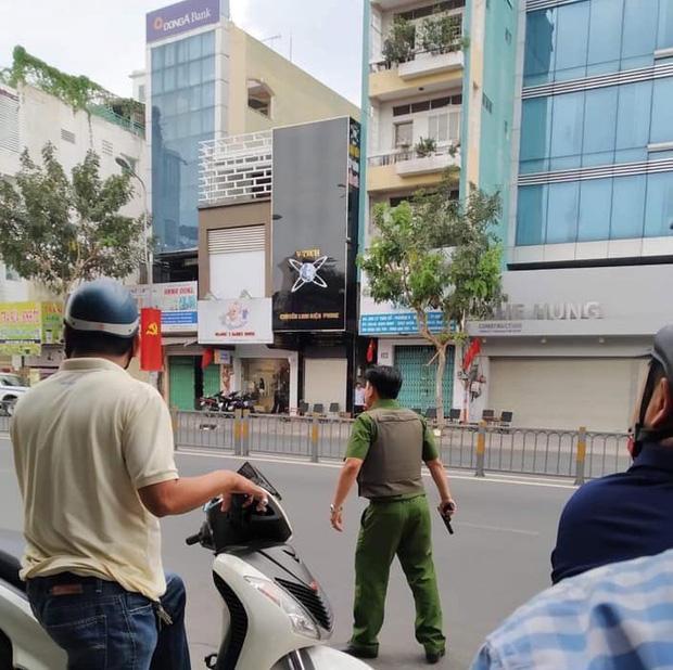 Nghi án thanh niên ngáo đá cầm súng, lựu đạn cướp ngân hàng ở Sài Gòn-1