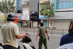 Nghi án thanh niên ngáo đá cầm súng, lựu đạn cướp ngân hàng ở Sài Gòn