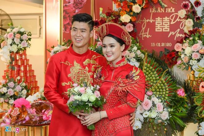Bạn gái Văn Lâm, vợ Duy Mạnh, Văn Đức trong ảnh được tag và tự đăng-3