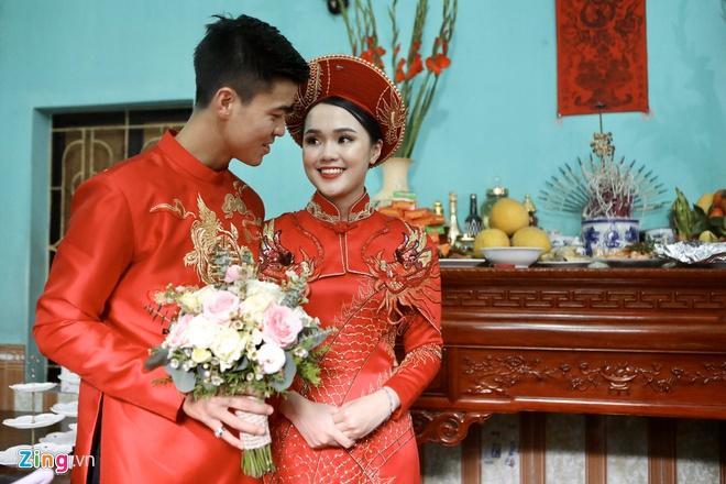 Bạn gái Văn Lâm, vợ Duy Mạnh, Văn Đức trong ảnh được tag và tự đăng-4