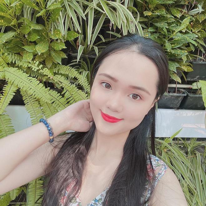 Bạn gái Văn Lâm, vợ Duy Mạnh, Văn Đức trong ảnh được tag và tự đăng-5