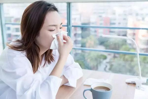 Để phân biệt virus corona và cảm lạnh thông thường, hãy chú ý 1 điều-1