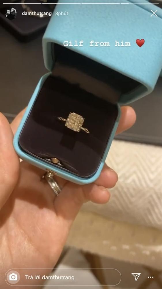 Xuất ngoại du hí đầu năm, Cường Đô La chơi lớn tặng nhẫn kim cương cho Đàm Thu Trang-1