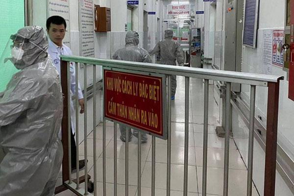 18 y, bác sĩ và nhân viên bị nhốt để phòng dịch virus corona đã được thả-1