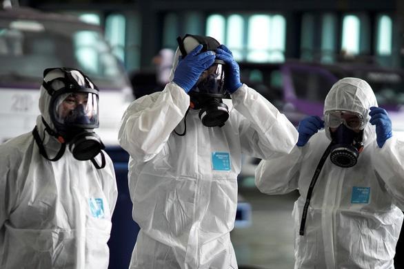 Tước giấy phép nhà thuốc tăng giá khẩu trang trong dịch virus corona-1