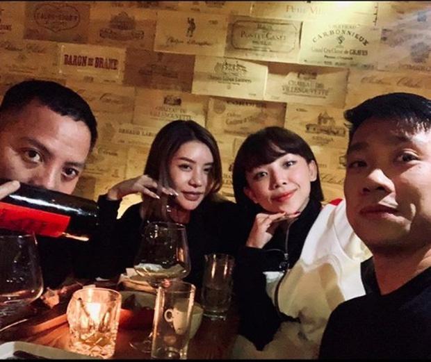 Ảnh Tóc Tiên ăn Tết cùng bạn trai Hoàng Touliver ở Hà Nội-1