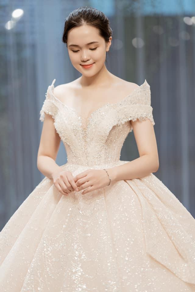 Duy Mạnh đếm từng ngày rước công chúa béo, hé lộ dòng chữ đặc biệt gắn trên trang phục chú rể-2