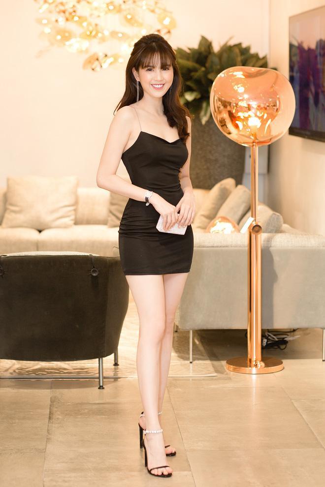 Ngọc Trinh khoe dáng trong biệt thự triệu đô, dân mạng khiếp vía khi nhìn chân cô ấy-3