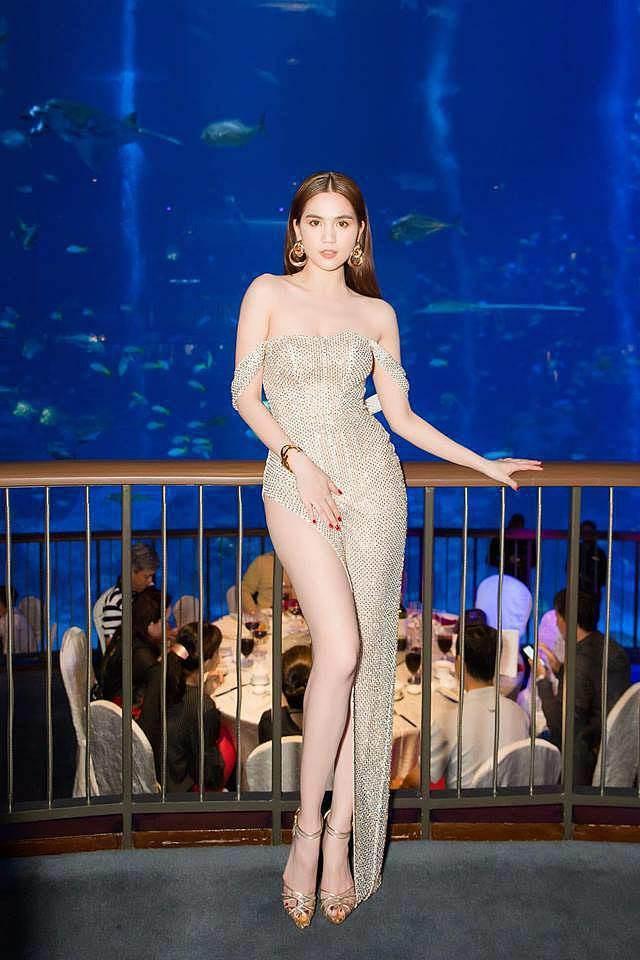Ngọc Trinh khoe dáng trong biệt thự triệu đô, dân mạng khiếp vía khi nhìn chân cô ấy-9