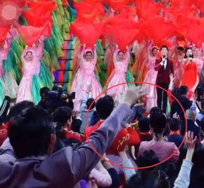 Chỉ 1 chi tiết nhỏ, fan couple Dương Tử - Lý Hiện khẳng định chắc nịch thần tượng đang hẹn hò-6