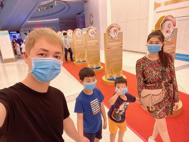 Nhã Phương, Lam Trường bảo vệ con giữa đại dịch virus corona-1