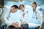 Nghịch lý trớ trêu của Hàn Quốc: Làm phim về dịch bệnh siêu hay nhưng lại không thể kiểm soát COVID-19-6