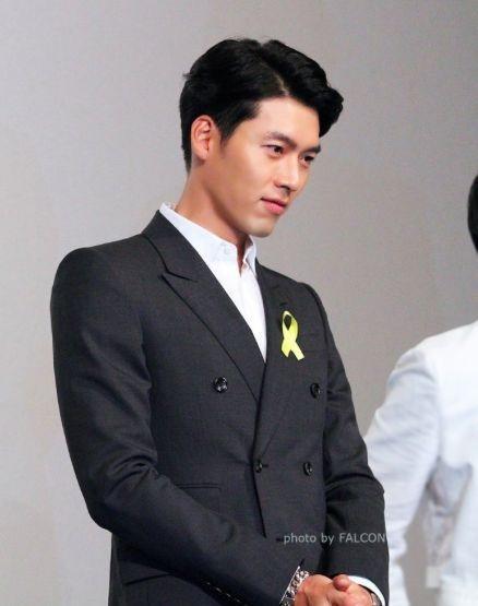 Hạ cánh nơi anh: Khoảnh khắc đại úy Ri thử vest khiến triệu trái tim fan girl tan vỡ-8