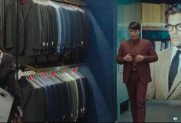 Hạ cánh nơi anh: Khoảnh khắc đại úy Ri thử vest khiến triệu trái tim fan girl tan vỡ-2