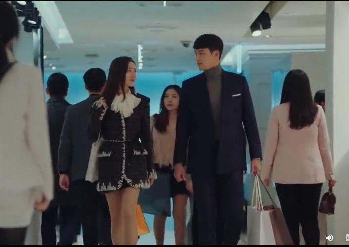 Hạ cánh nơi anh: Khoảnh khắc đại úy Ri thử vest khiến triệu trái tim fan girl tan vỡ-4
