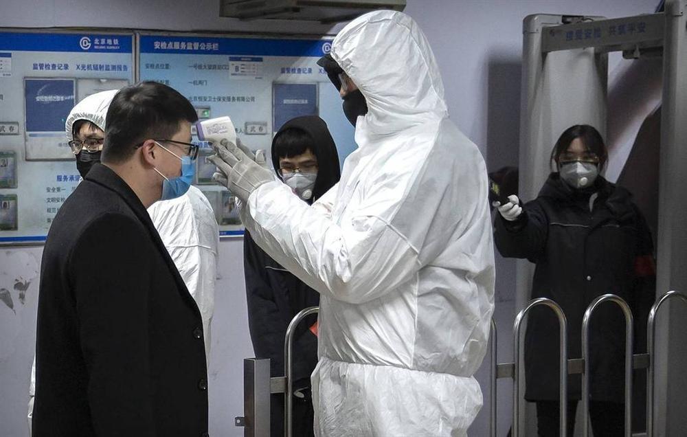Làm thế nào để phòng tránh virus corona khi đi máy bay?-1