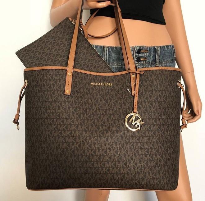 Calvin Klein bị tố đạo nhái thiết kế túi nổi tiếng của Dior-5