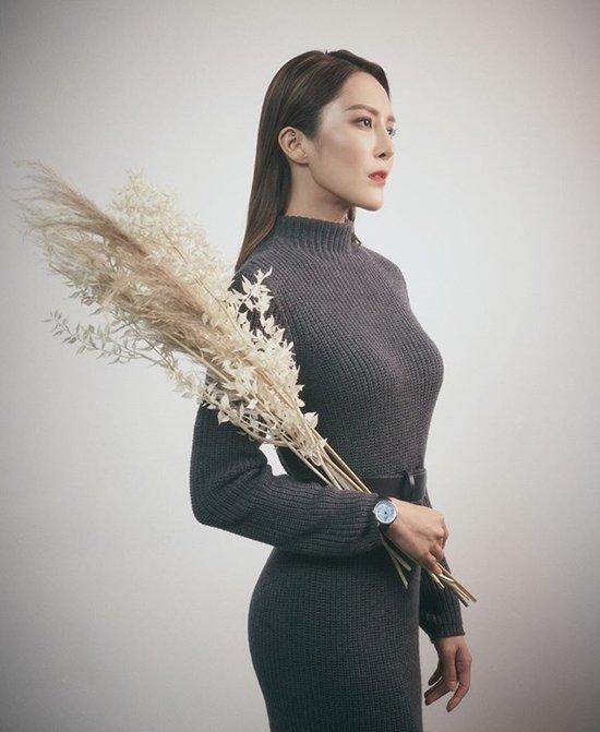 Diễn viên TVB bị nghi nhiễm corona: Thắng Hoa hậu Hồng Kông, từng hẹn hò chồng Hồ Hạnh Nhi-7