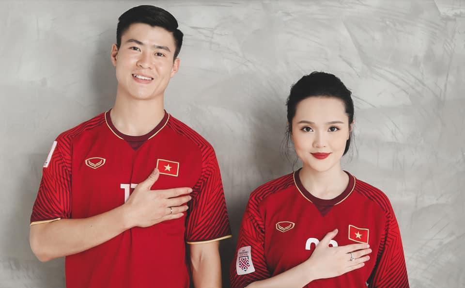 Gần đến ngày cưới, Quỳnh Anh khoe ảnh cưới mặc áo đấu đặc biệt của Duy Mạnh ở đội tuyển Việt Nam-5
