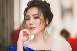'Khai mic' đầu xuân, Hồ Quỳnh Hương 'bốc hỏa' vì đồng nghiệp đã không đến lại còn đưa trợ lý thế thân