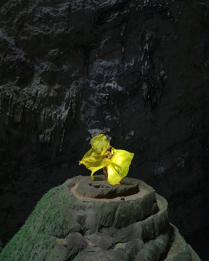 HHen Niê múa vũ khúc Sơn Đoòng tại hang động lớn nhất thế giới-1