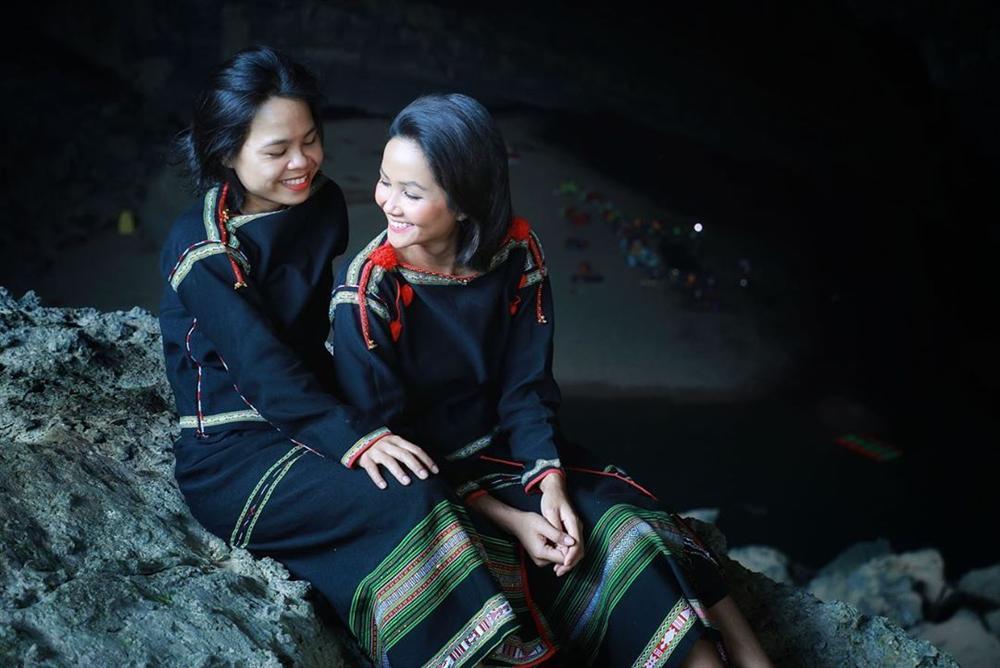 HHen Niê múa vũ khúc Sơn Đoòng tại hang động lớn nhất thế giới-9